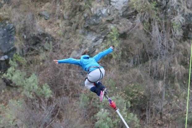 Bungy jumping in new Zealand